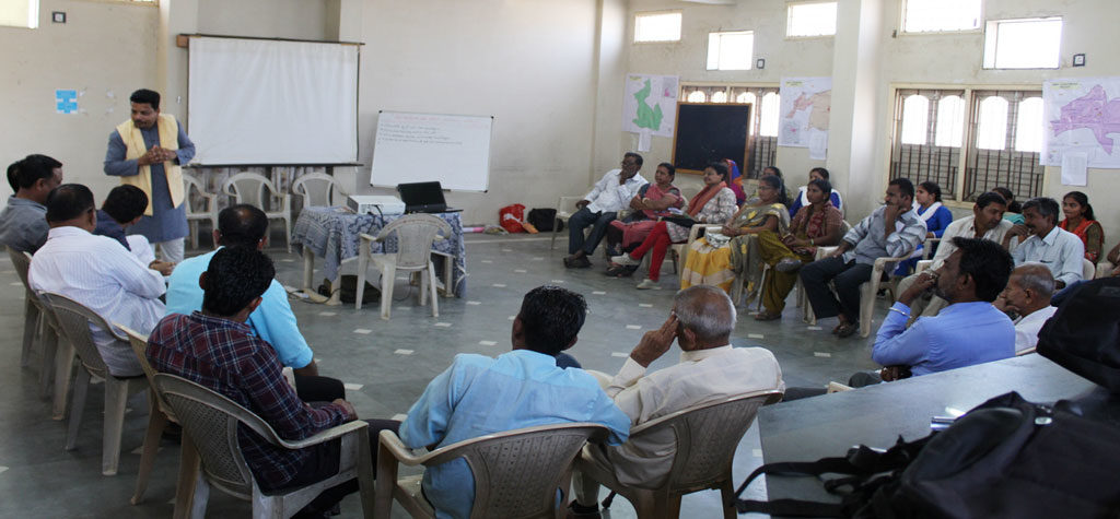 ભુજમાં વોર્ડ આયોજન માટે માહિતી અને માર્ગદર્શન કાર્યશાળા યોજાઇ